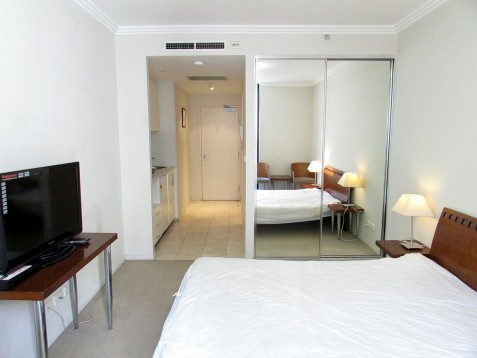 STUDIO CONVENIENTLY LOCATED BETWEEN CHINATOWN & DARLING HARBOUR!!
