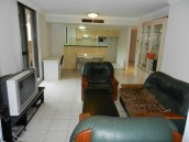 Good Location! 3 bedroom in Hype Park Tower!